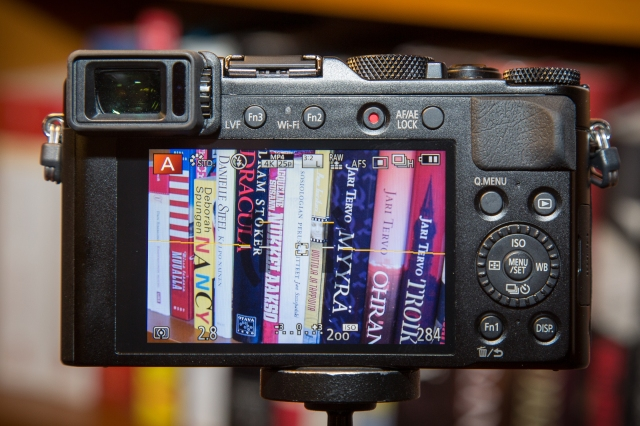LX100:n takaosan säätimet ovat tuttua kauraa Panasonicin kameroita käyttäneille.